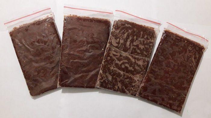 Заморозка способствует обеззараживанию корма и позволяет хранить продолжительное время