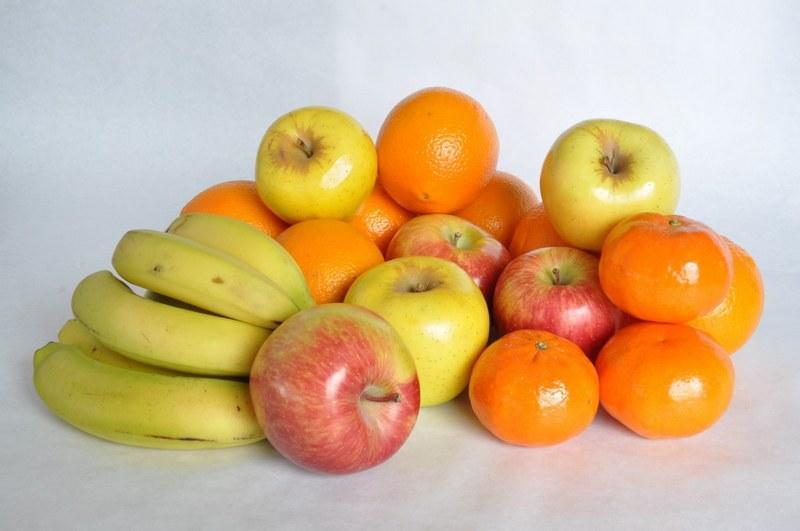 Введение в рацион фруктов обеспечит хамелеона необходимыми витаминами